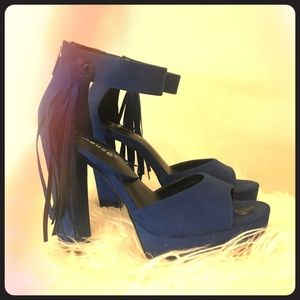 Navy blue dollhouse pumps